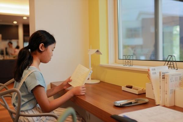 子供に本の読み聞かせをすることで国語力は育つのか